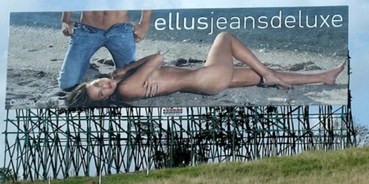 10-sexiest-billboards-of-all-time-imprinsic5